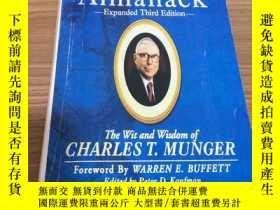 二手書博民逛書店Poor罕見Charlie s Almanack:The Wit and Wisdom of Charles T.