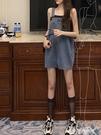 牛仔洋裝復古無袖方領連身裙女夏季新款高腰法式牛仔短裙子氣質顯瘦背帶裙 愛丫 新品