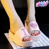 夏季新款韓版家居鞋高跟拖鞋女厚底防滑臺糕跟厚底楔形沙灘沐浴 薔薇時尚
