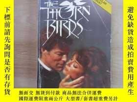 二手書博民逛書店英文書;罕見THE THORN BIRDS COIIEEN MC