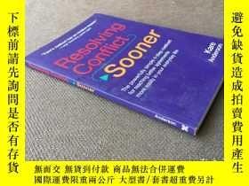 二手書博民逛書店Resolving罕見Conflict Sooner (英語)Y