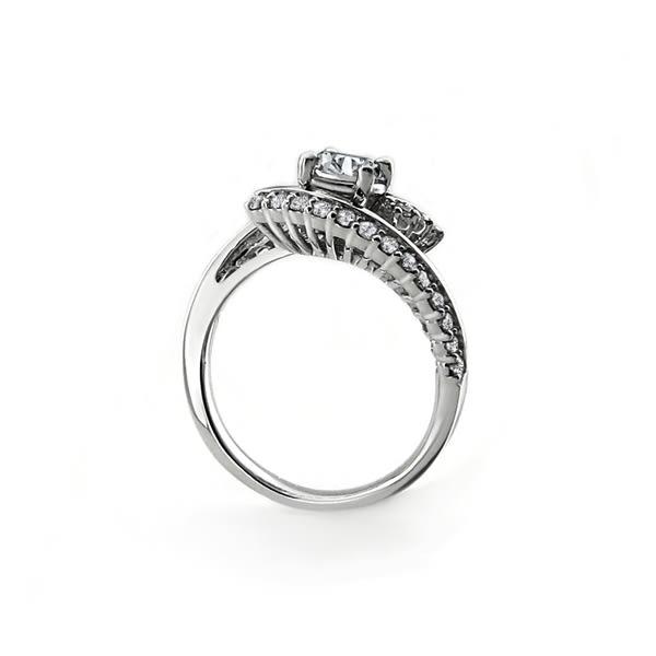 鑽石戒指 LUSTER JEWELRY 維多莉亞18K鑽戒