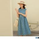 《DA8644-》丹寧滿版玫瑰印花傘襬無袖背心洋裝 OB嚴選