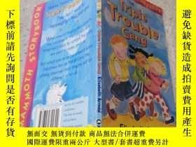 二手書博民逛書店the罕見triple trouble gang三重麻煩團夥Y200392
