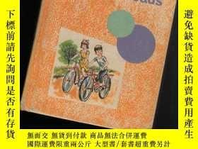 二手書博民逛書店ALONG罕見FRIENDLY ROADS【063】Y10970