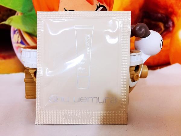 【專櫃貨】㊣SHU UEMURA 植村秀 極保濕輕感防護乳1ML 膚色(片狀) 2021