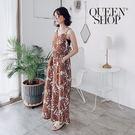 Queen Shop【04050579】滿版印花美背造型連身褲 兩色售*現+預*