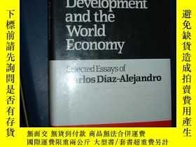 二手書博民逛書店trade罕見development and the world