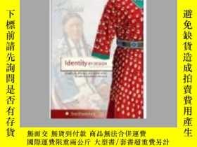 二手書博民逛書店Identity罕見BY DESIGN印第安土著服飾Y19620