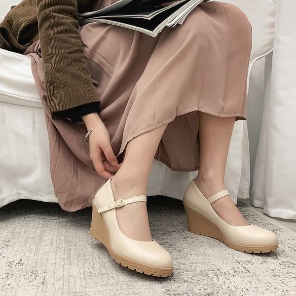 大尺碼女鞋34~43 2020英倫時尚顯瘦百搭圓頭厚底瑪莉珍鞋楔形鞋~3色