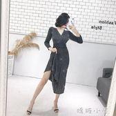 2018秋季新款韓版氣質V領亮絲長袖百褶裙性感高腰針織洋裝女  嬌糖小屋