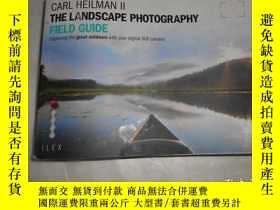 二手書博民逛書店The罕見Landscape Photographers Fie