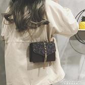 錬條小包包女新款百搭流蘇漆皮小方包側背斜背包 黛尼時尚精品