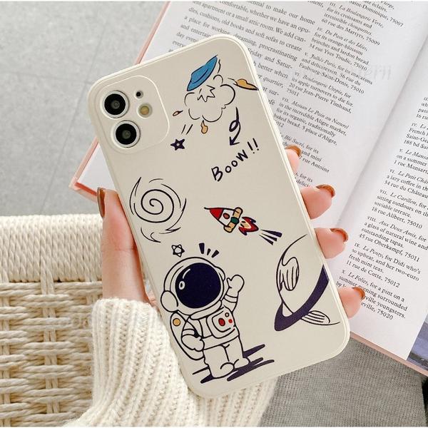 太空人世界|蘋果 iPhone 12 11 Promax XR XSmax i7 i8 SE2 i6 Plus 側邊彩繪手機殼 軟殼 有掛繩孔 宇宙人