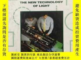 二手書博民逛書店LASERS The罕見New Technology of Li
