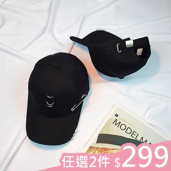 現貨-鴨舌帽-三圓環大別針素黑鴨舌帽 Kiwi Shop奇異果【SWG2806】