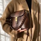 高級感洋氣小包包女2021秋冬新款潮百搭網紅側背斜背包爆款水桶包 貝芙莉