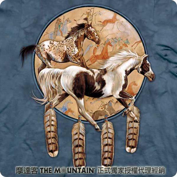 【摩達客】 (預購) 美國進口【The Mountain】自然純棉系列 奔馬捕夢網 T恤(10413045143a)