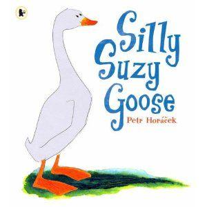 【麥克書店】SILLY SUZY GOOSE /英文繪本附CD《主題: 幽默. 動物. 動詞 》