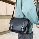 【5折超值價】潮流時尚日系簡約郵差包造型百搭斜背肩背包