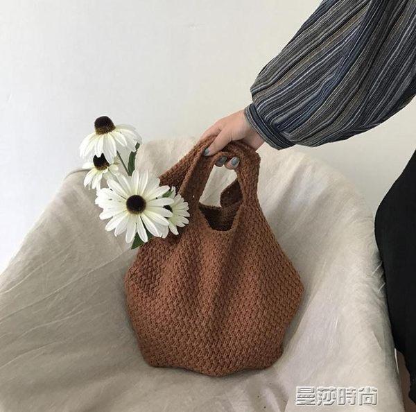 編織包韓國可愛少女休閒時尚手提包潮寬鬆舒適軟編織學生毛線包包女 曼莎時尚