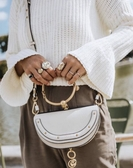 ■專櫃77折■ Chloe 全新真品 半月型金環 Nile小牛皮手鐲兩用包 米白色