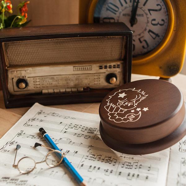 幸福森林.木製 發條式 選轉音樂盒 客製化禮物-星座 天蠍男孩