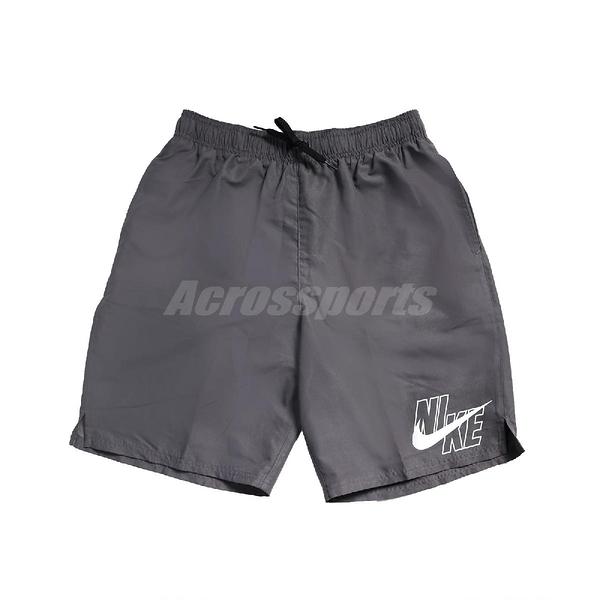 Nike 短褲 Logo Lap Board shorts 灰 白 男款 海灘褲 運動休閒 【ACS】 NESSA565-018