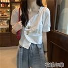 短袖襯衫 不規則V領短款白襯衫女士設計感小眾春裝新款泡泡短袖上衣服 2021新款