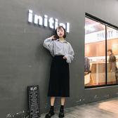 韓版女生簡約百搭金屬圓扣裝飾帥氣亮面PU皮方跟涼鞋LK1519『黑色妹妹』