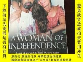 二手書博民逛書店A罕見WOMAN OF INDEPENDENCE : A Story of Love and the Birth