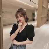 泡泡短袖 2020新款素色韓版修身V領泡泡袖氣質顯瘦減齡短款短袖T恤女上衣夏 曼慕