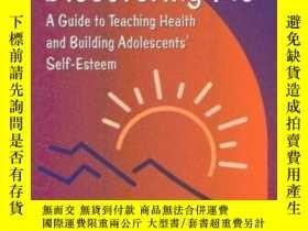 二手書博民逛書店Discovering罕見Me: A Guide To Teaching Health And Building