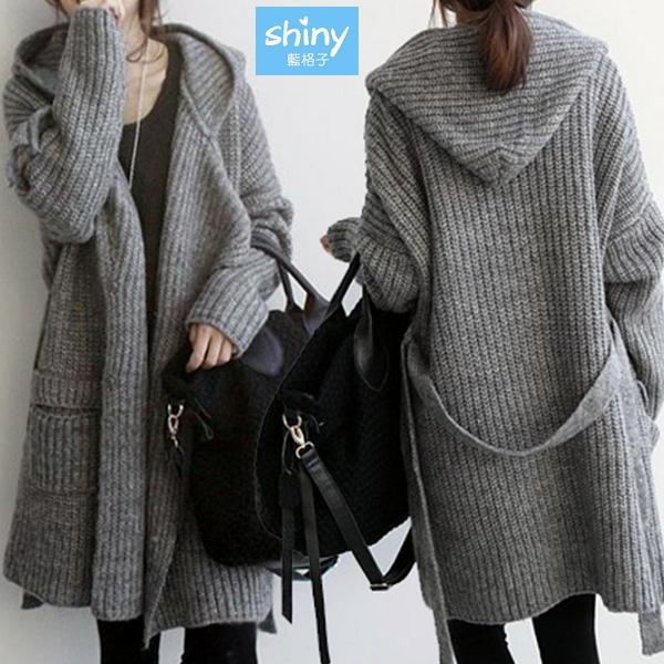 【V3282】shiny藍格子-暖冬絮語‧純色壓釦綁帶中長版連帽針織外套