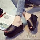 韓版夏季涼拖鞋鬆糕厚底坡跟防水台女鞋中跟半拖鞋一字拖高跟涼鞋「時尚彩紅屋」