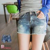 牛仔短褲--率性魅力彩色圈圈渲藍下擺毛鬚牛仔短褲(XL-7L)-R168眼圈熊中大尺碼