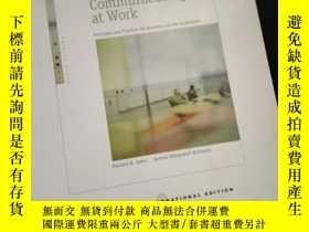 二手書博民逛書店Communicating罕見at Work: Principles and Practices for Busi