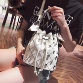 歐尚-2018夏天上新款時尚抽帶水桶包鉚釘小包包女百搭單肩斜挎手提包潮