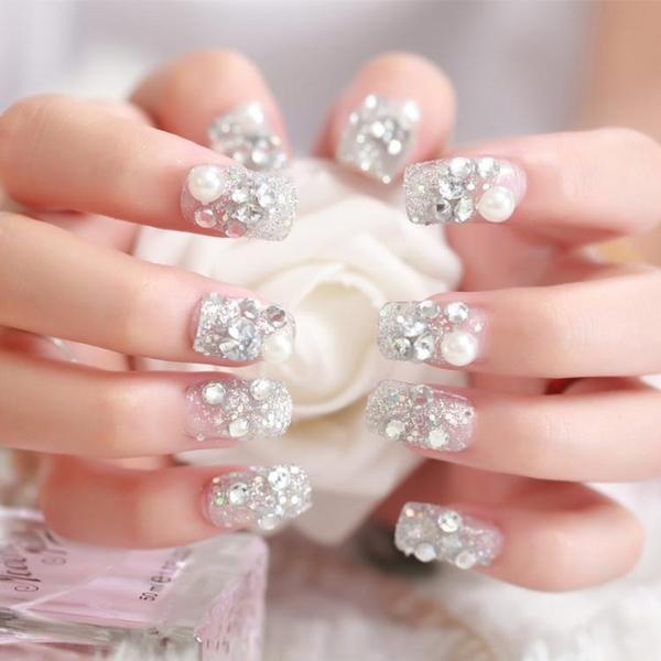 限定款光療感指甲油背膠款指甲片成品鑲鑽石新娘甲片穿戴美甲假指甲貼片24片 白珠閃鑽石配外套