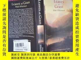 二手書博民逛書店Leaves罕見of Grass(詳見圖)Y6583 Walt