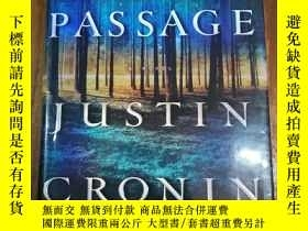 二手書博民逛書店The罕見Passage: A Novel (Book One
