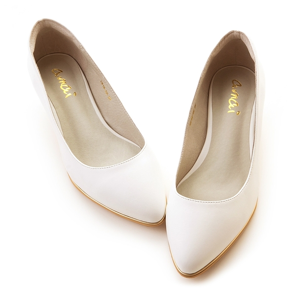 amai百搭素面金屬夾心尖頭低跟鞋 白