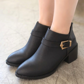 靴子.MIT率性俐落扣環粗跟短靴.白鳥麗子