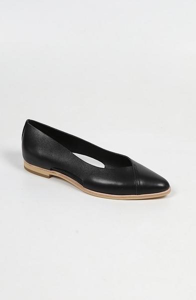 ALL BLACK   側邊縷空平底鞋 (黑)