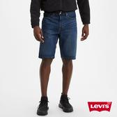 Levis 男款 501經典排釦牛仔短褲 / 深藍微刷白 / 彈性布料