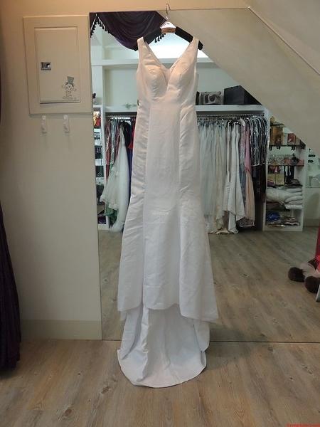 (45 Design)   新款外貿婚紗禮服 時尚修身魚尾婚紗 韓版公主拖尾婚紗 吊帶顯瘦 伴娘服 緞
