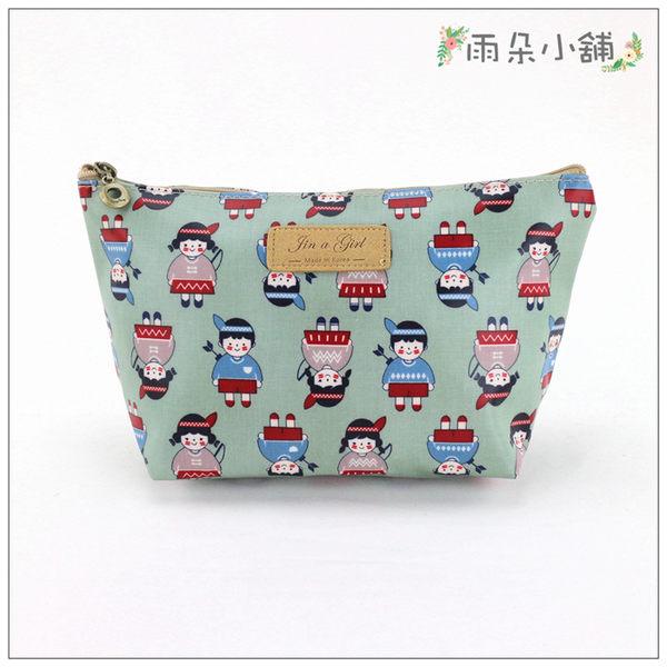化妝包 包包 防水包 雨朵小舖M357-007 韓化妝包-綠印地安小朋友08103 funbaobao