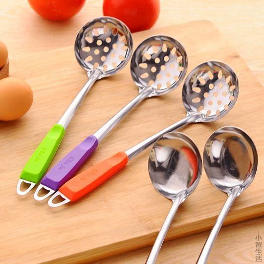 廚房用品廚具不銹鋼勺子火鍋勺火鍋湯勺漏勺加厚款長柄勺漏勺湯勺JRM-1602