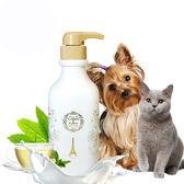 【愛戀花草】綠茶精油 護膚除臭寵物潤絲精 500ML