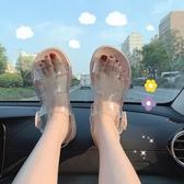 果凍涼鞋 細細條 仙女ins風學生休閑透明涼鞋女夏平底chic羅馬沙灘鞋果凍鞋【快速出貨】